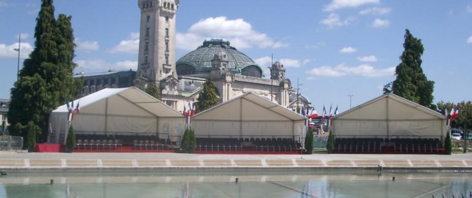 Couverture de tribunes, structures de 10mx5m pour défilé militaire