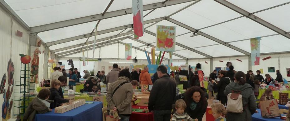 Salon du livre d'enfants, structure de 15mx30m aménagée